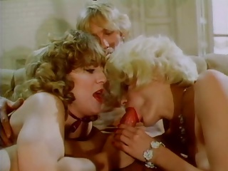 Vintage Blonde Threesome