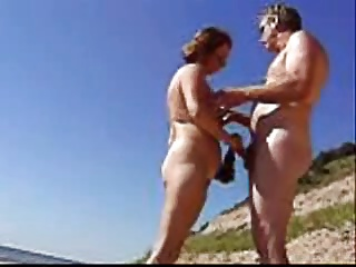 Foreplay On The Beach (amateurs)